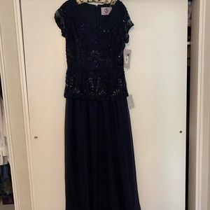Mother of the bride/groom J&S  full length gown
